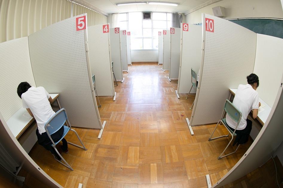 香里丘高等学校画像